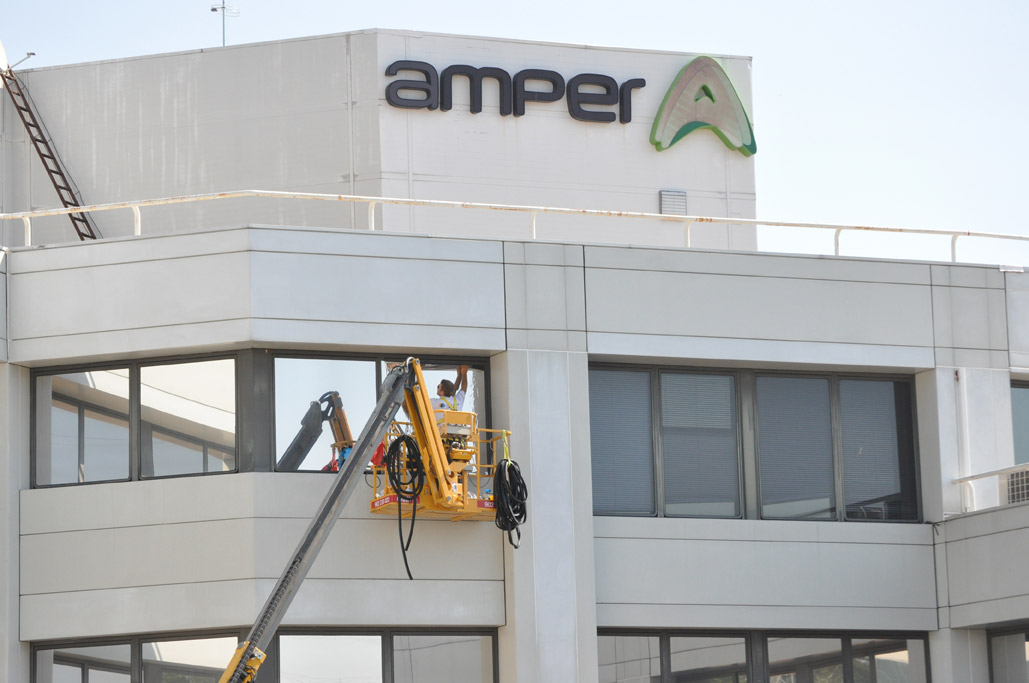Amper conf a en grupo prosol para la instalaci n de for Oficina qualitas auto madrid