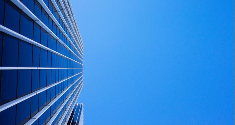 Aislamiento de ventanas con láminas solares para mejorar la eficiencia energética